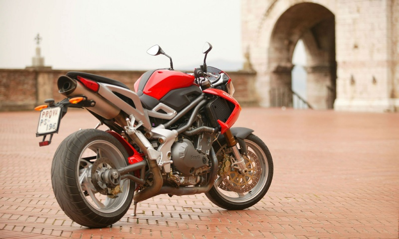 Benelli TNT 1130 Wallpapers