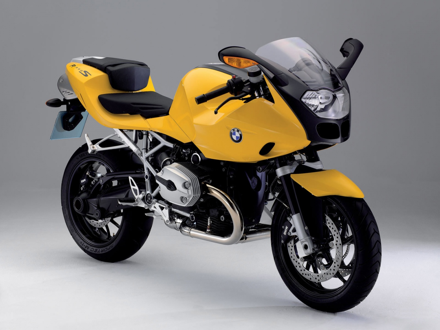 BMW R 1200 S Yellow