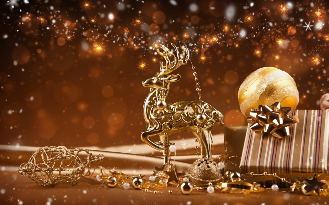 Christmas Golden Reindeer