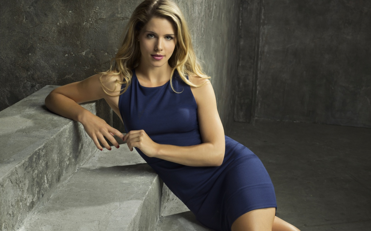 Emily Bett Rickards In Arrow Season 4