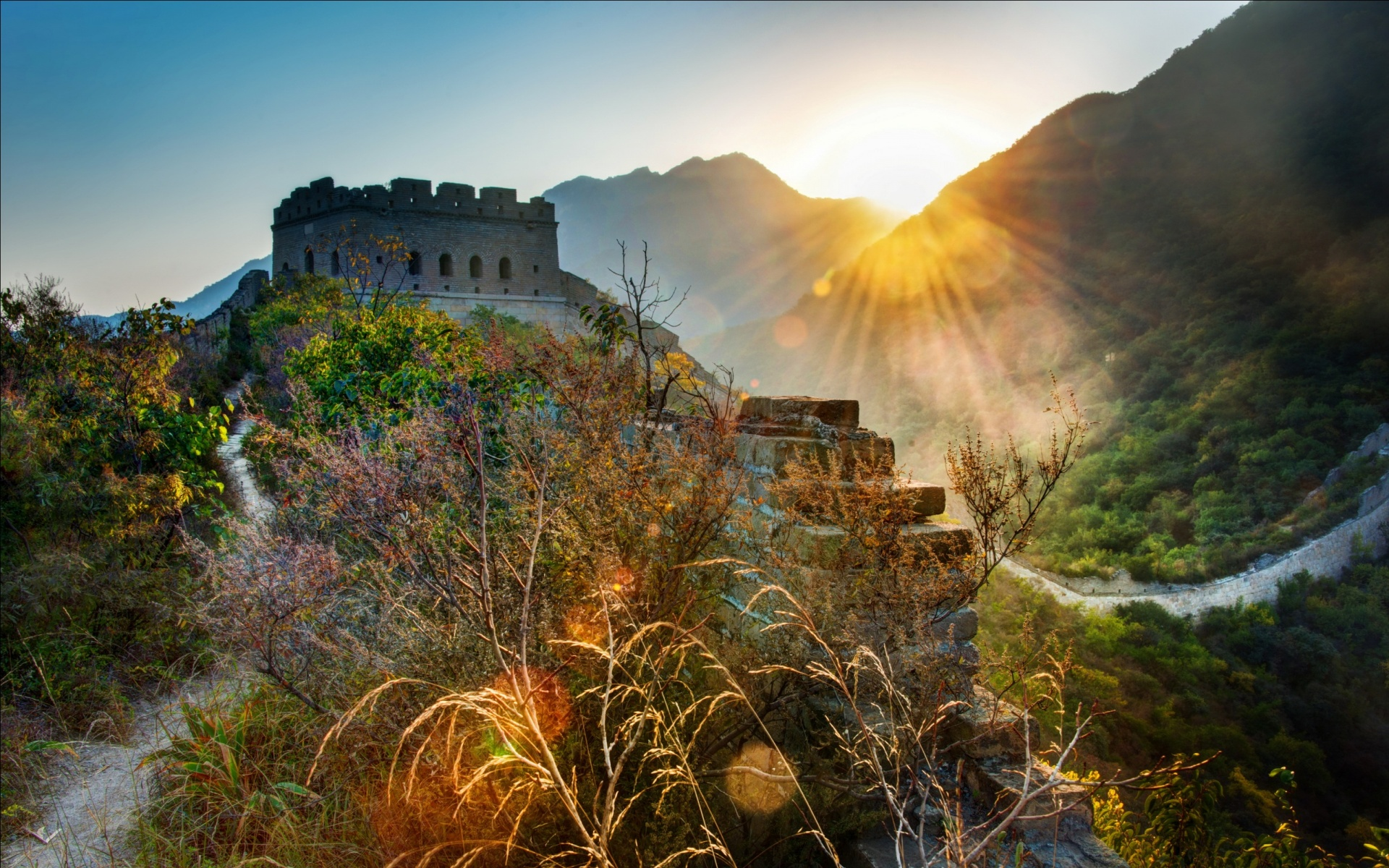 Great Wall Of China Rays Of Light