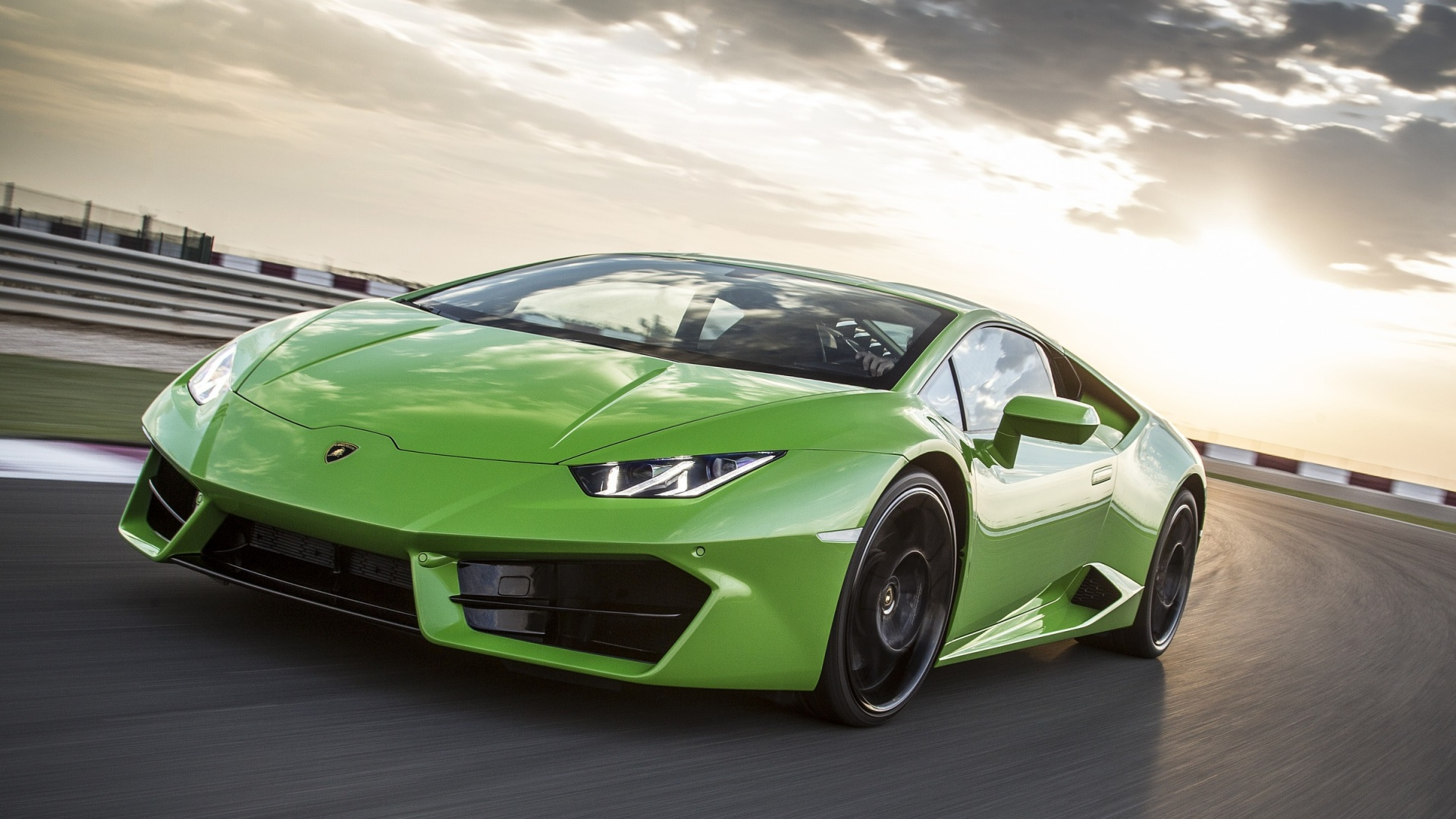 Green Lamborghini Huracan LP580-2 2017 Wallpapers ...