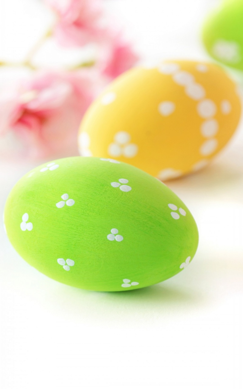 Green Yellow Easter Eggs 2015