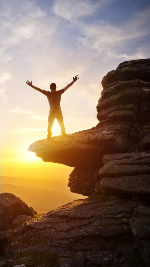 happy rock climbing man wallpapers 640x1136 160770