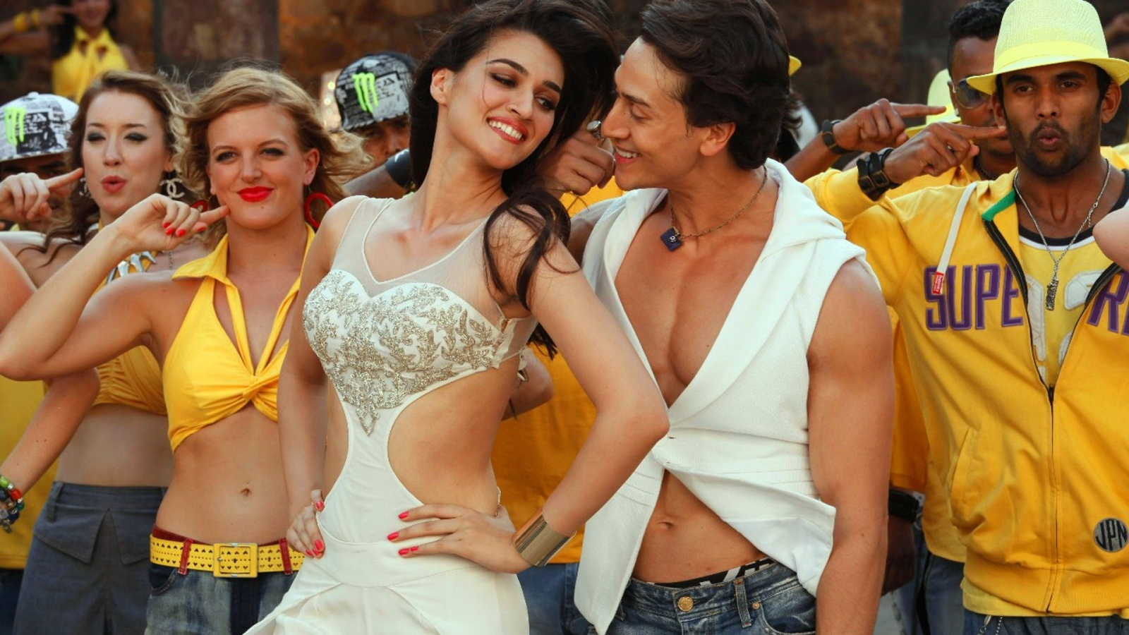 Heropanti Movie Stills
