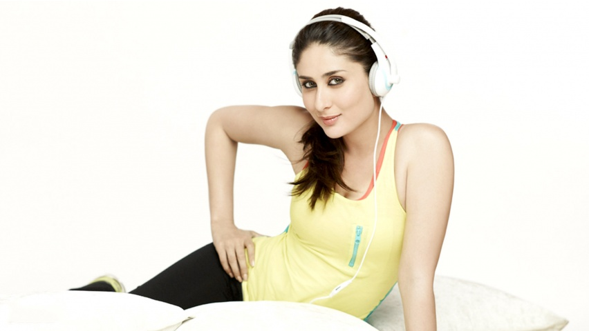 Kareena Kapoor Khan Headphones