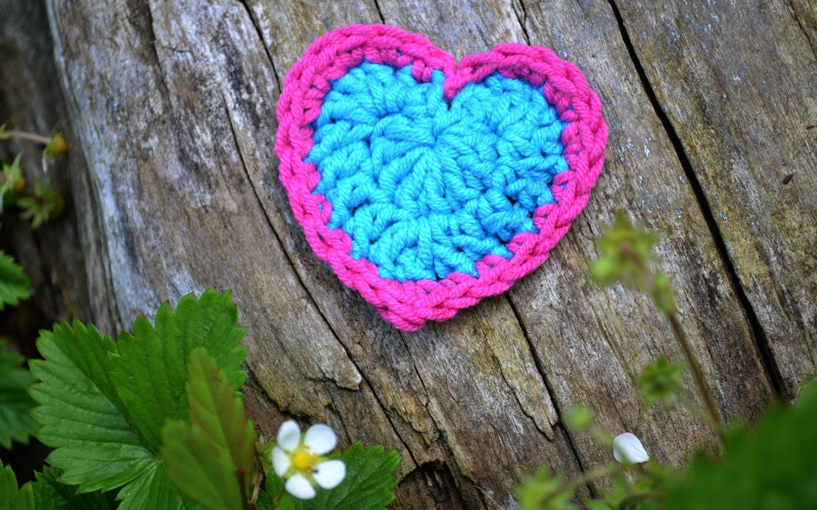 Knitting Wallpaper Free : Knitting heart wallpapers