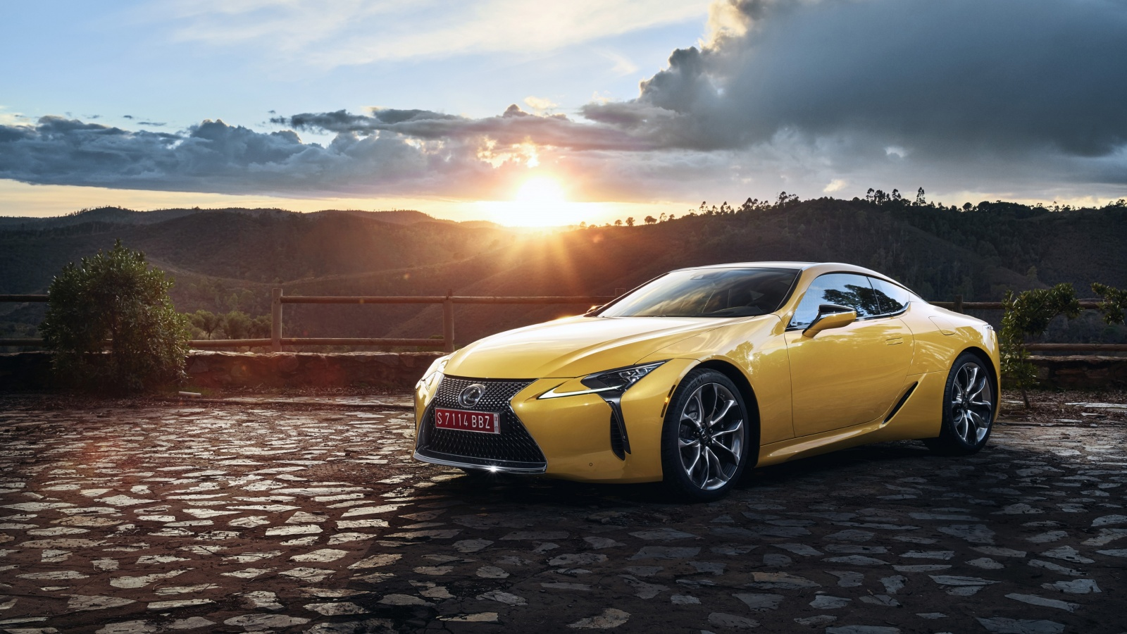 Lexus LC 500 Yellow Car 2018