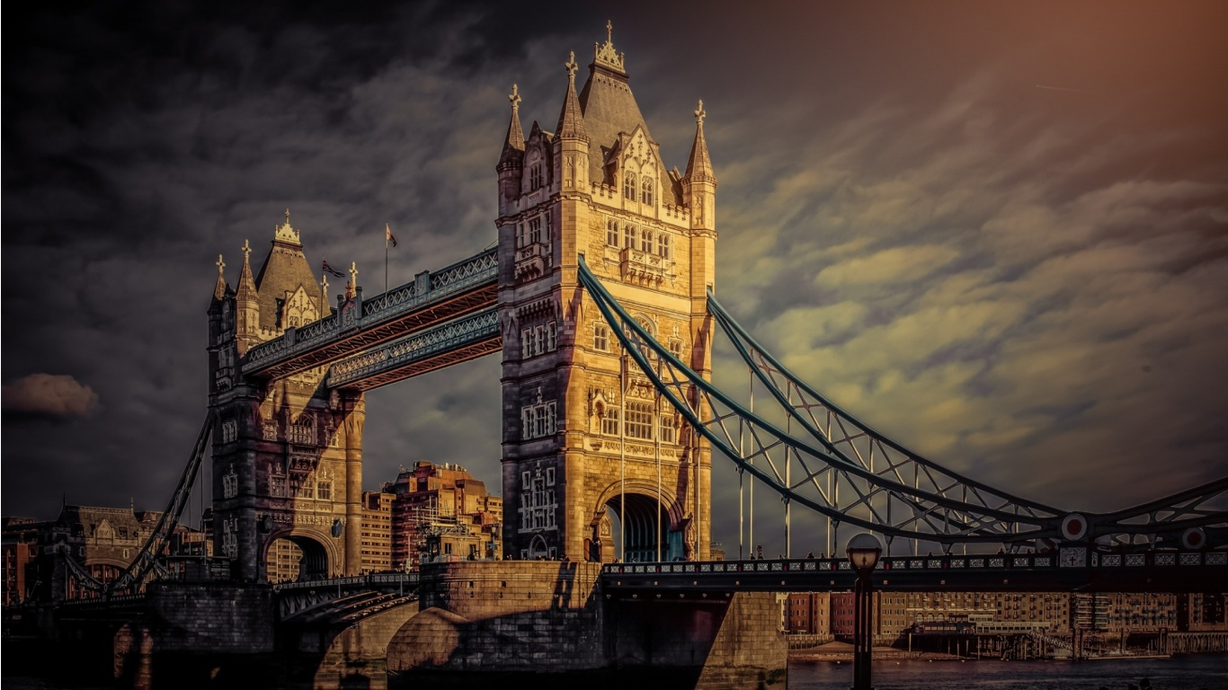 London Famous Tower Bridge