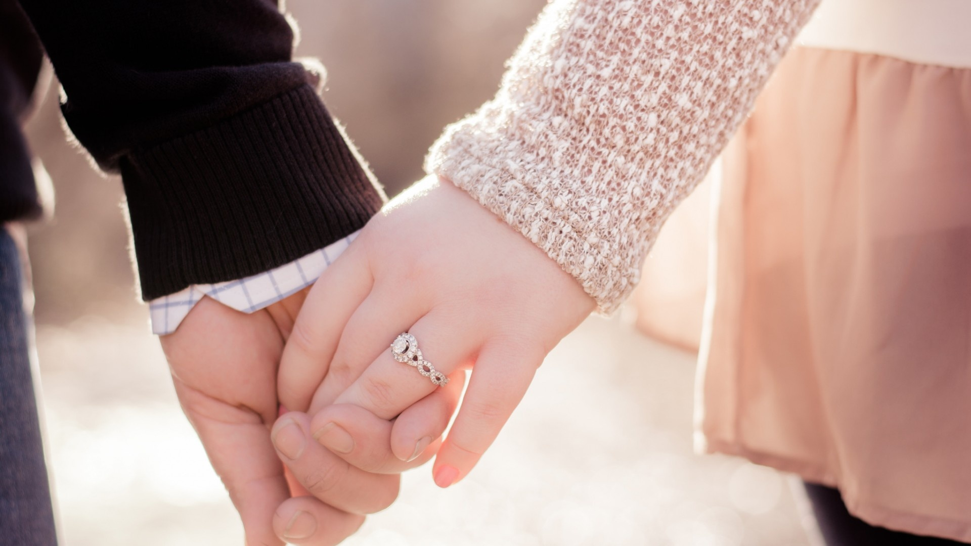 Love Couple Hands Ring