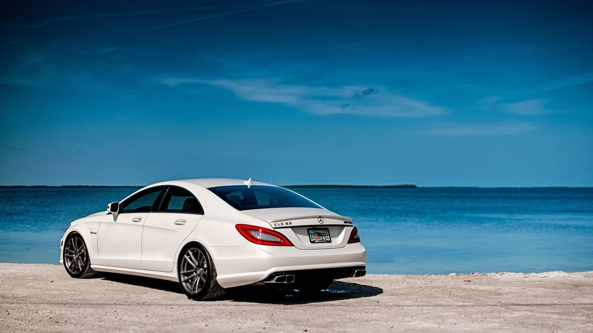 Mercedes cls 63 amg wallpaper 770238 for White mercedes benz truck