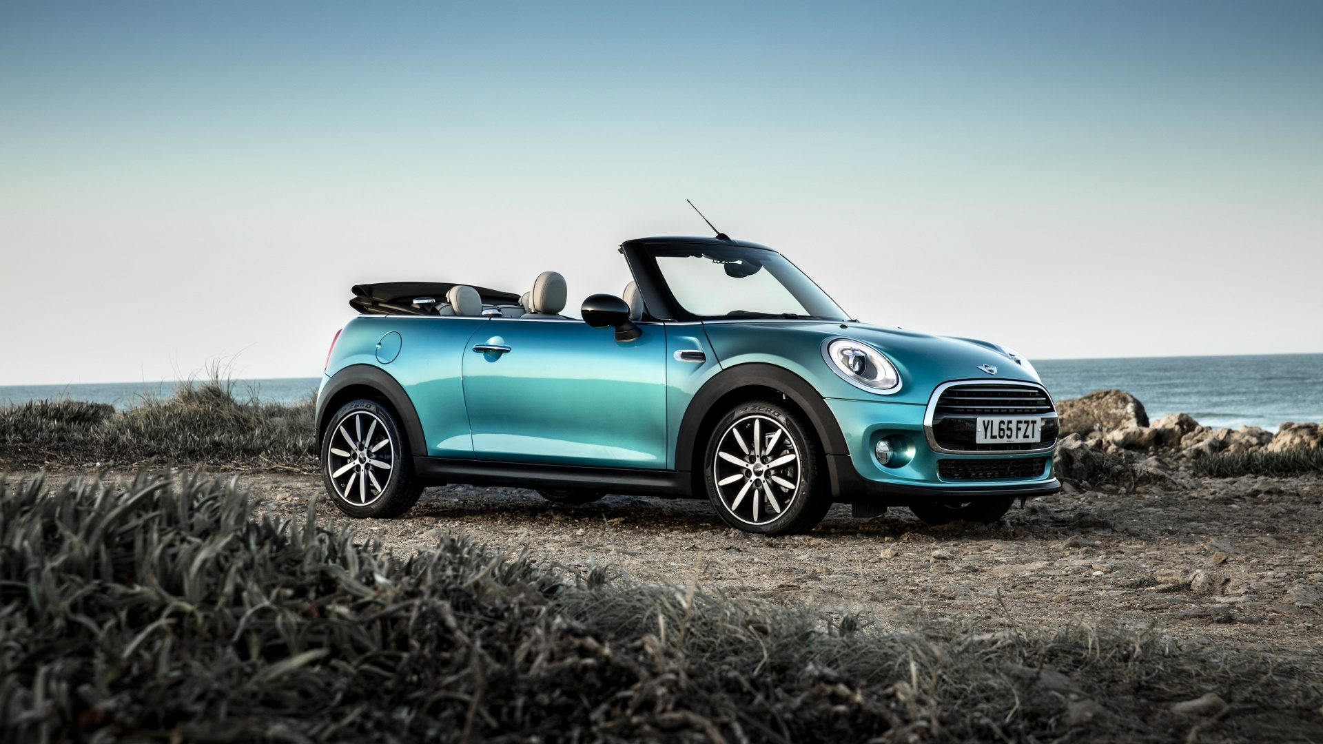 Mini Cooper Convertible UK Version 2016