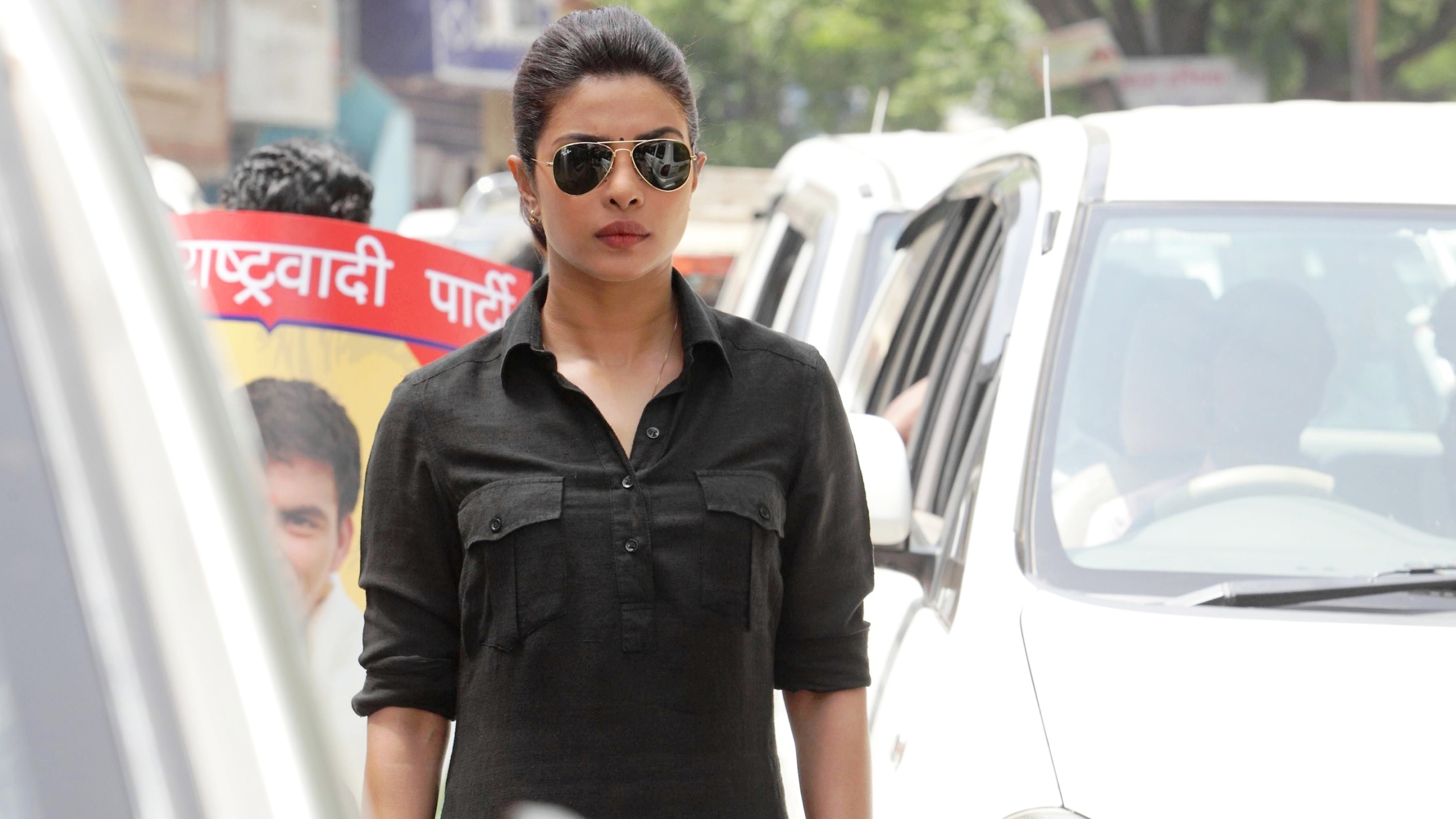 Priyanka Black Dress In Jai Gangaajal