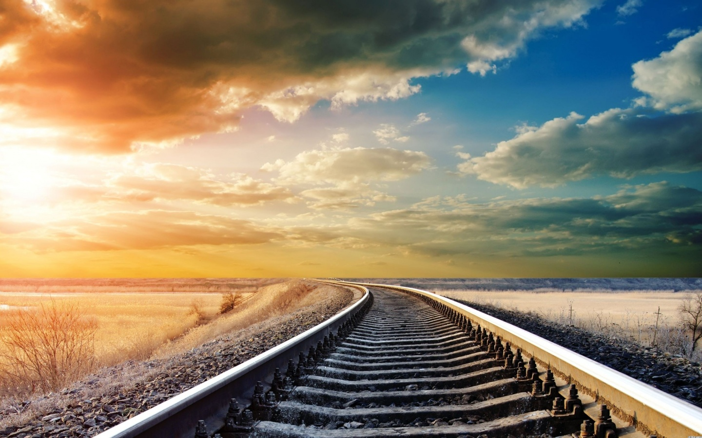Railroad Tracks | 1440 x 900 | Download | Close