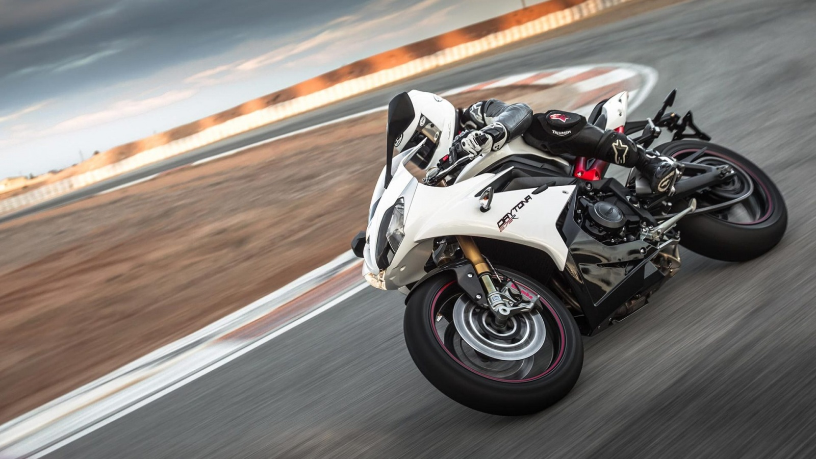 Triumph Daytona 675 R Speed Triple R