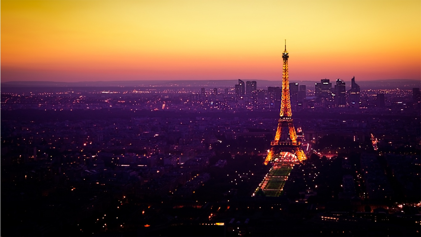 Twilight At The Eiffel Tower