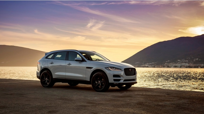 White Jaguar F-Pace 2017