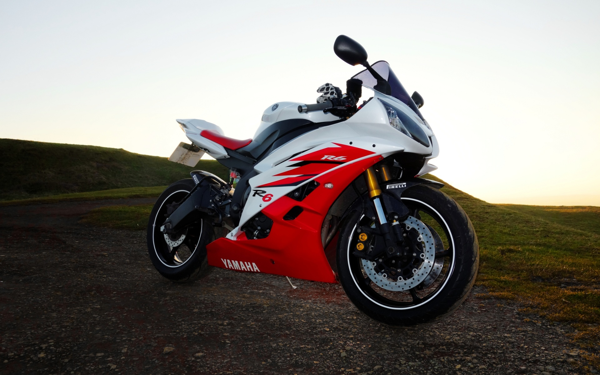 Yamaha R6 2006 Red And White   1920 x 1200   Download   CloseYamaha R6 White And Red