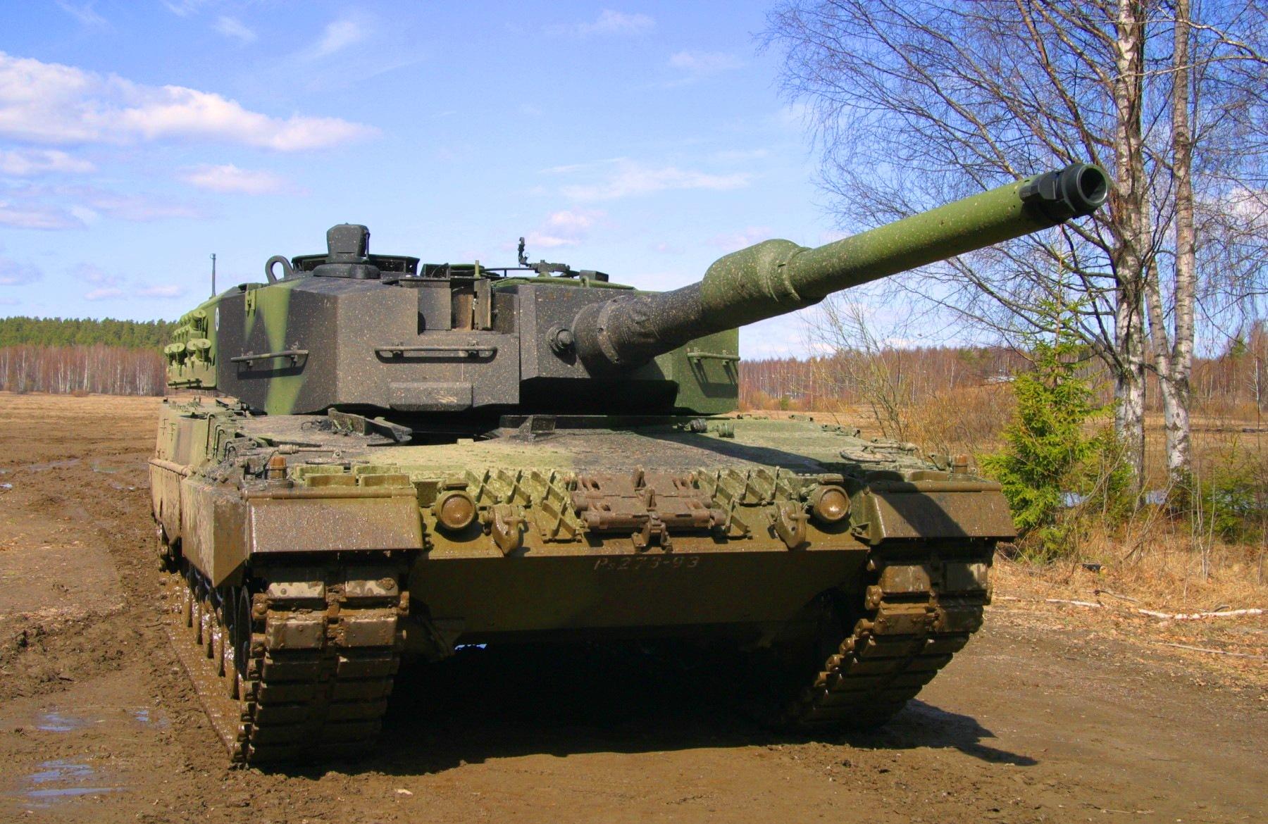 Army tank 1800 x 1170 download close