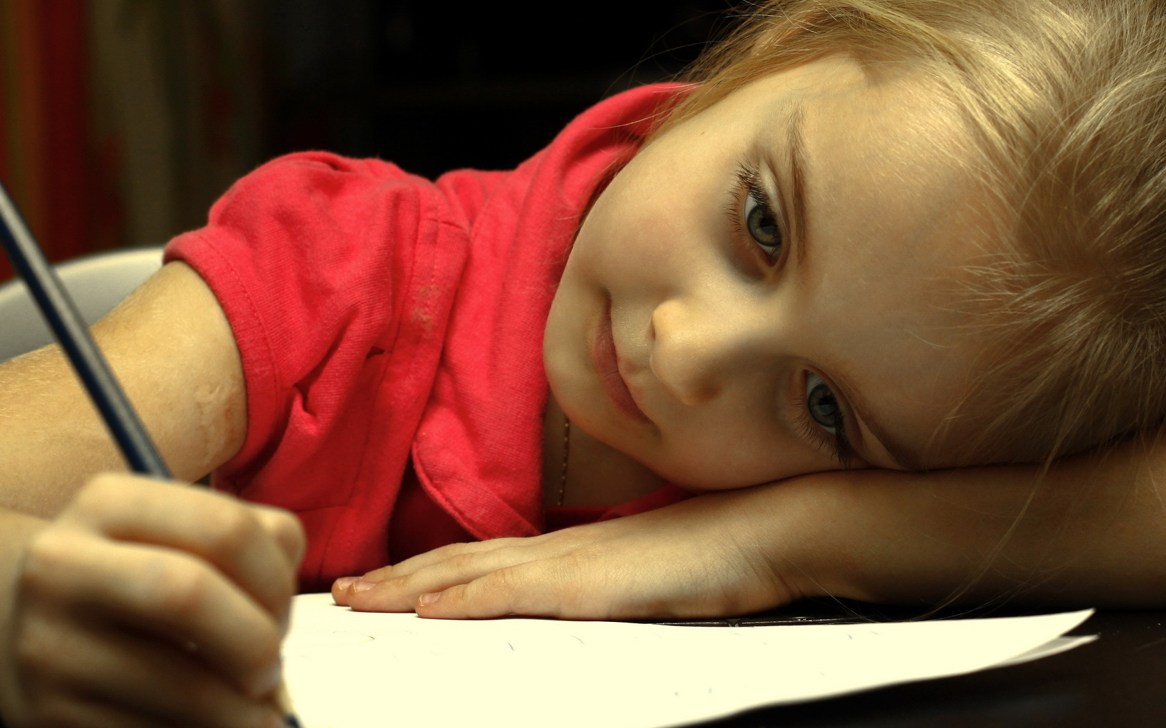 Baby girl with pencil 1680 x 1050 download close