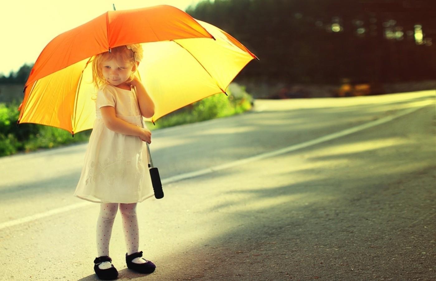 Cute Umbrella Girl Wallpapers - 1400x902 - 106392
