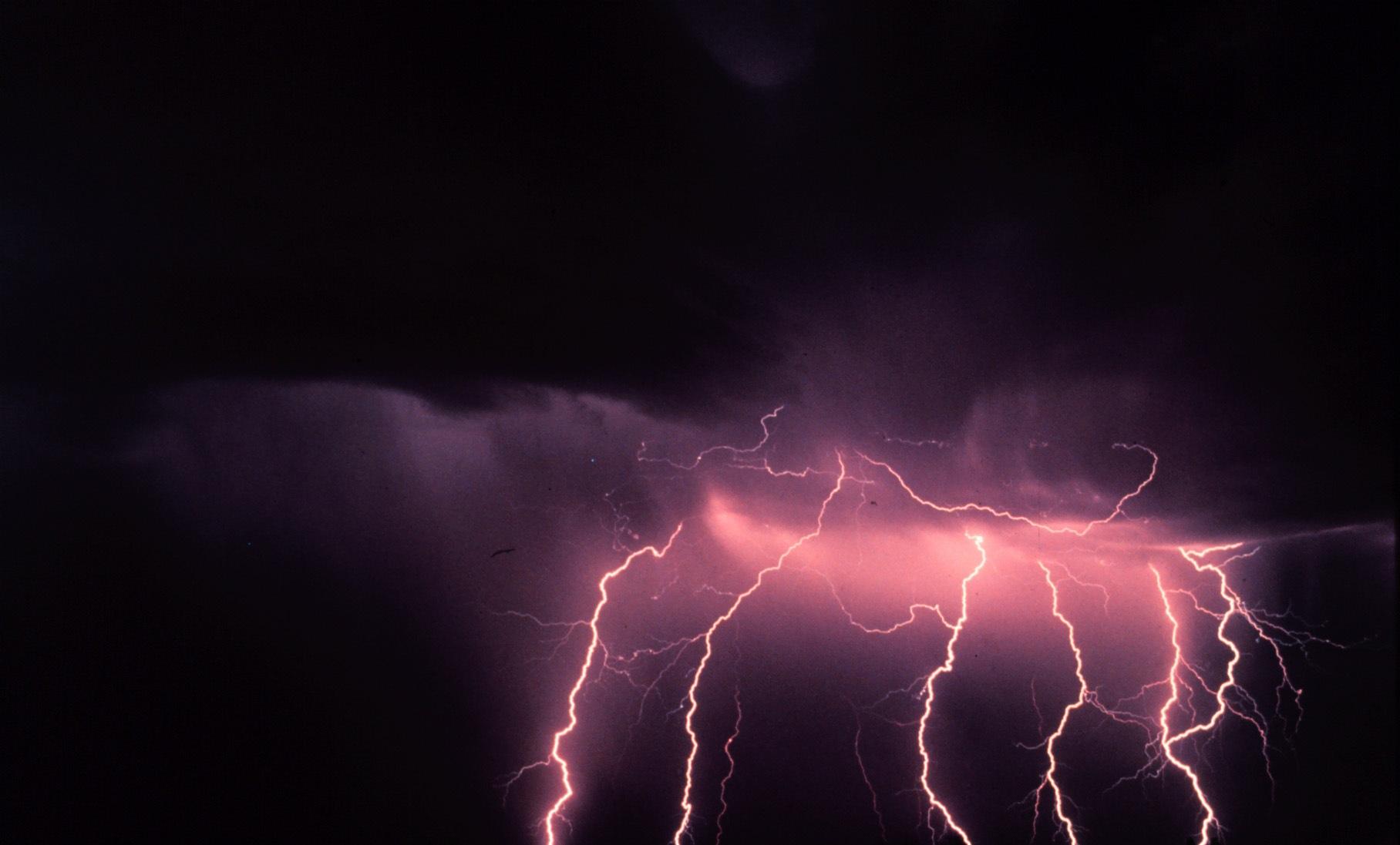 Dark Purple Sky Lighting   1816 x 1097   Download   Close & Dark Purple Sky Lighting Wallpapers - 1816x1097 - 234675
