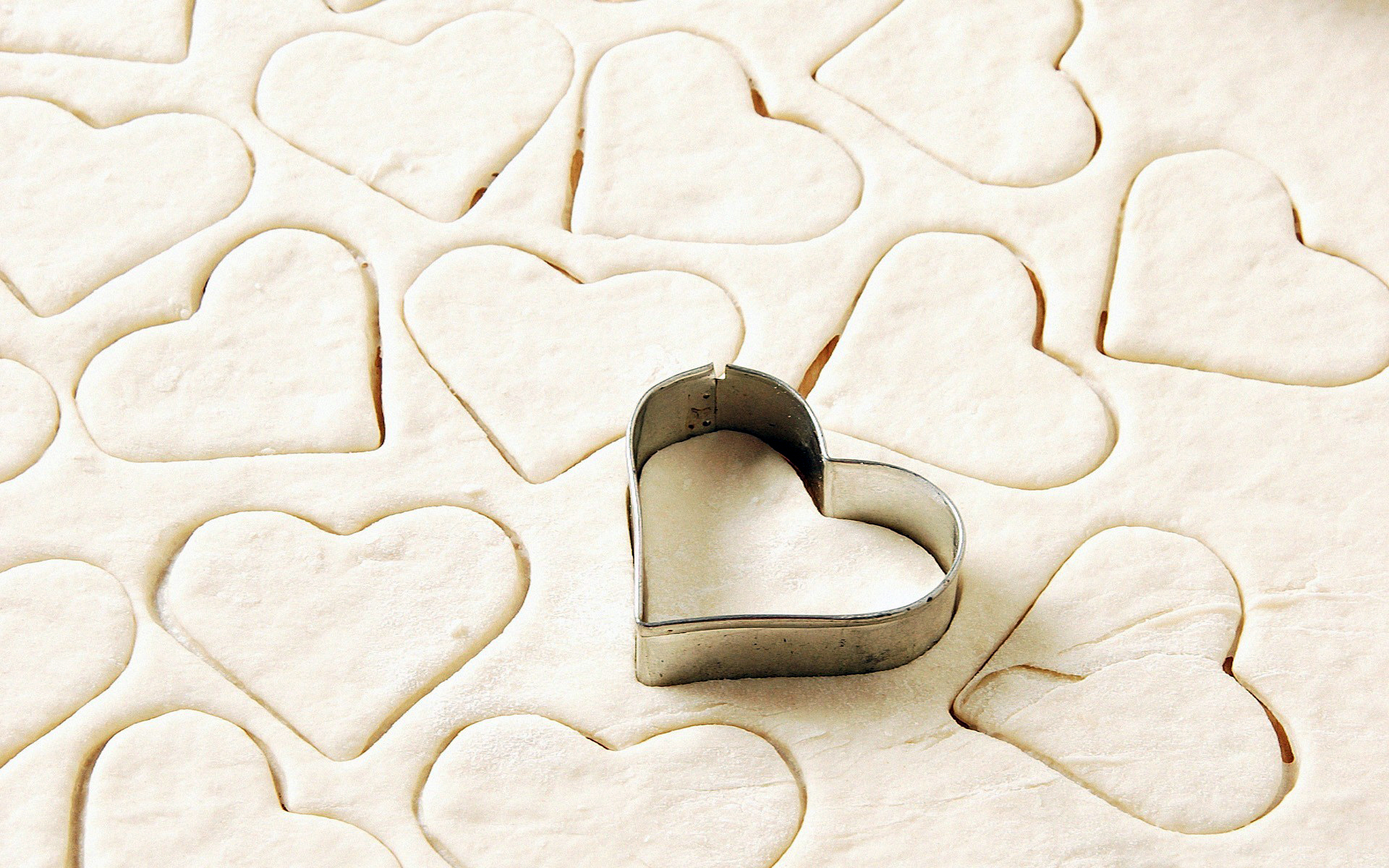 flour in love heart wallpapers - 1920x1200 - 1420749