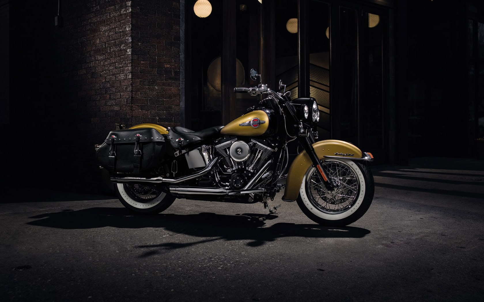 Harley-Davidson Heritage Softail Classic 2017 Wallpapers