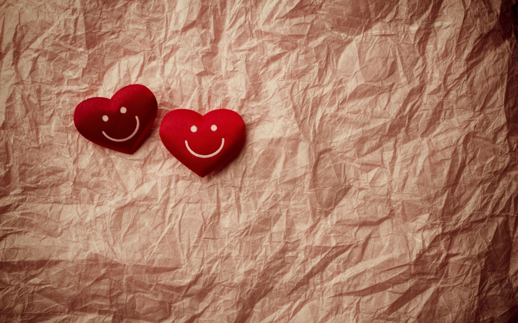Hearts Smile Love | 1680 x 1050 | Download | Close
