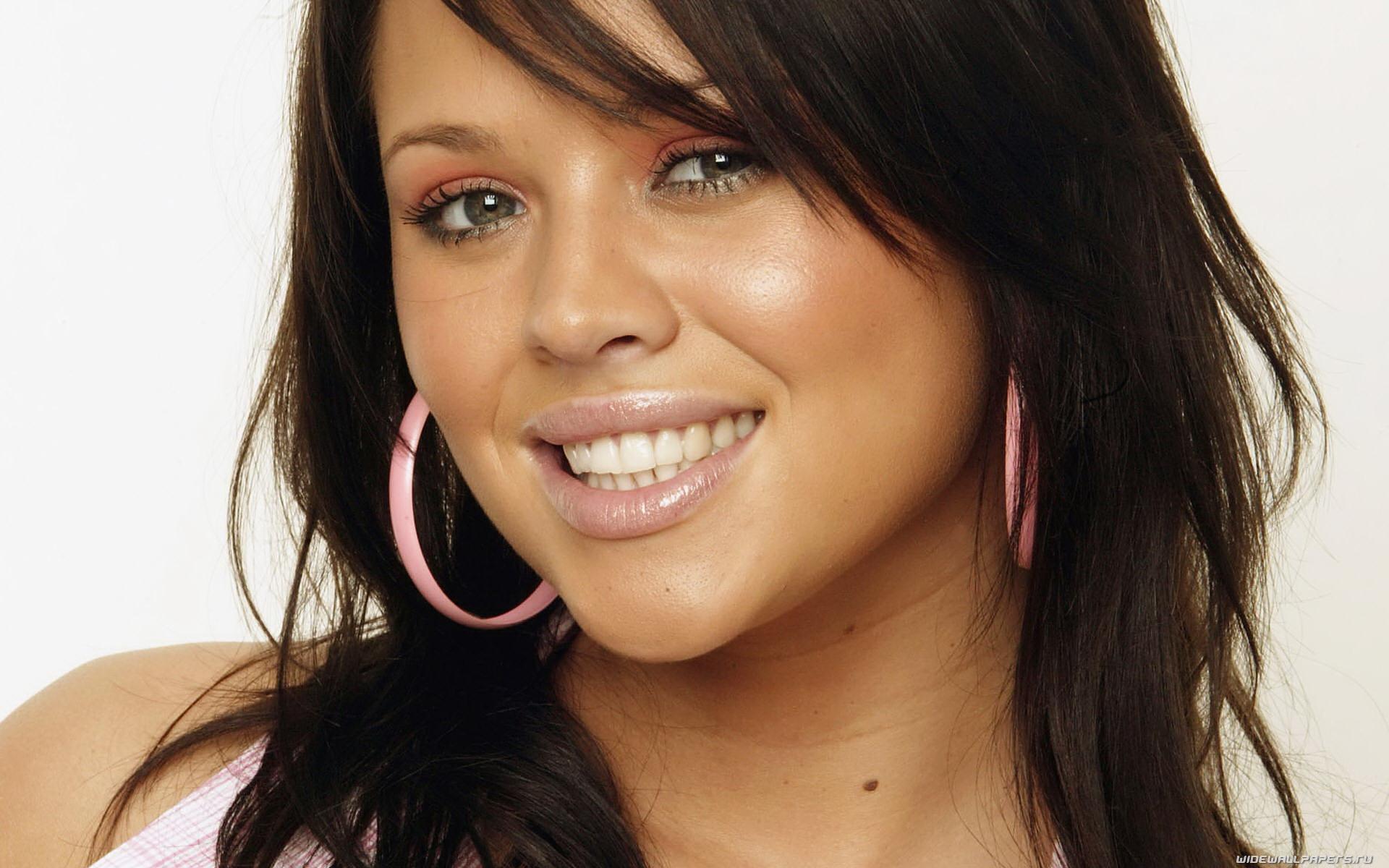 face girl smiling hottie -#main