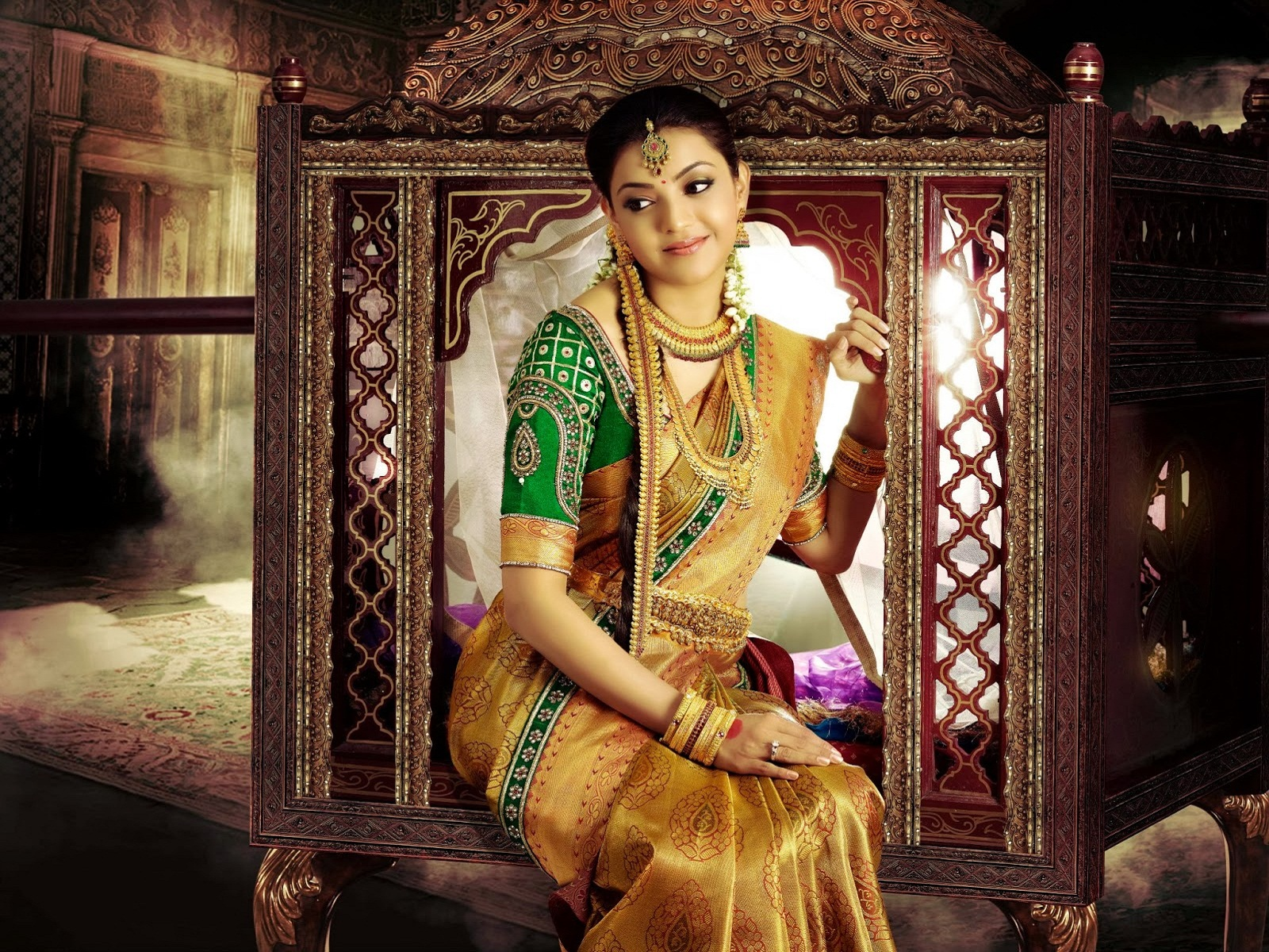 kajal agarwal silk saree wallpapers