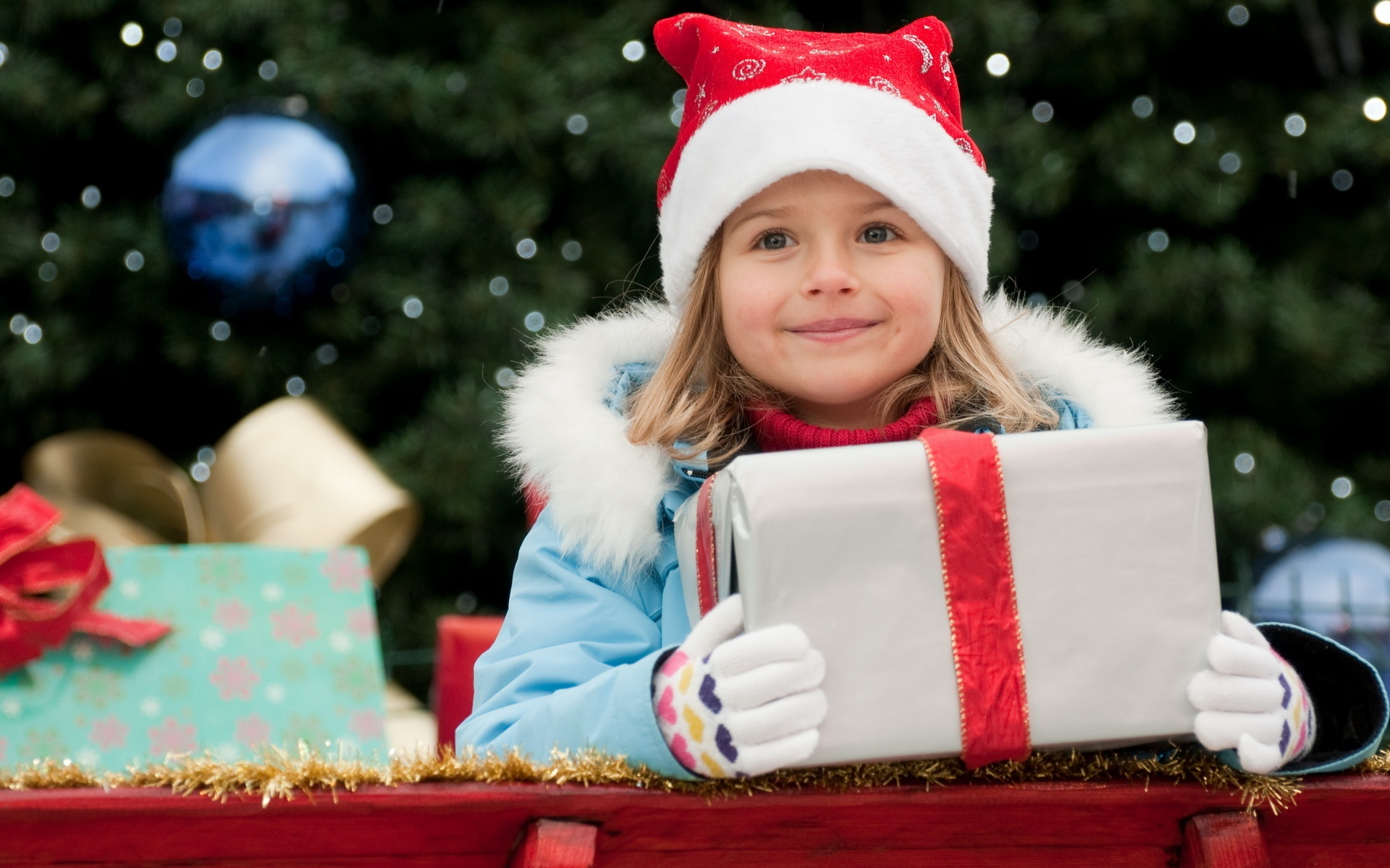 Thumbnail image little girl in christmas 1920 x 1200 download close