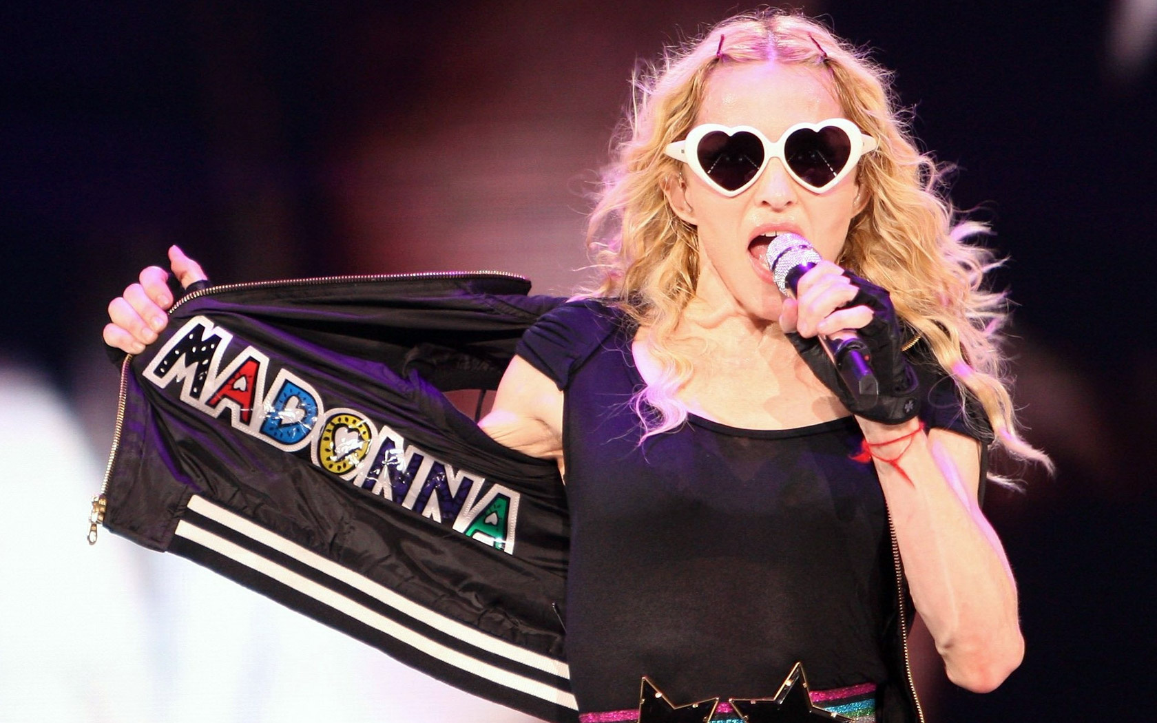 madonna_sticky_and_sweet_tour-wide.jpg
