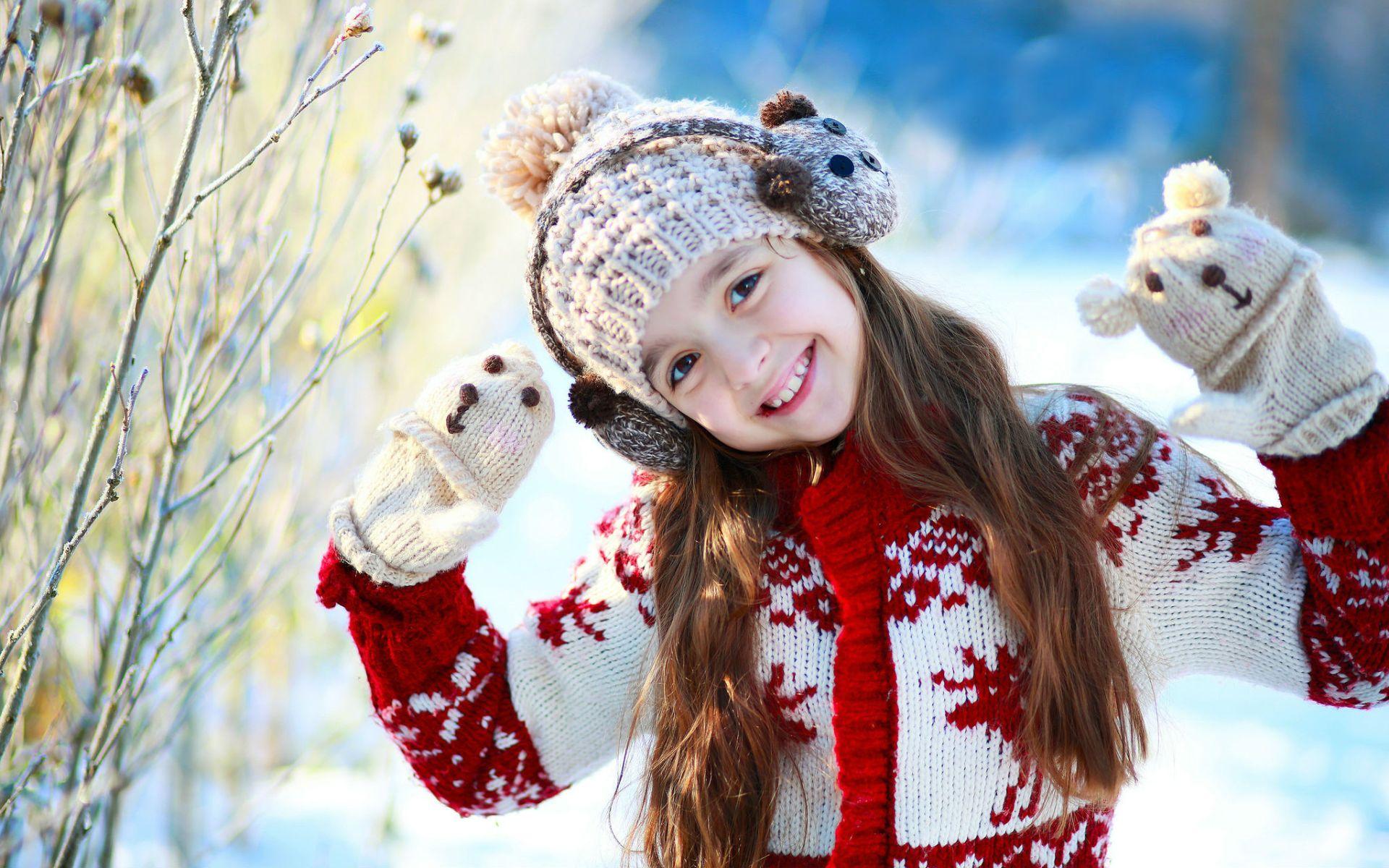 nice smiley girl wallpapers - 1920x1200 - 364674