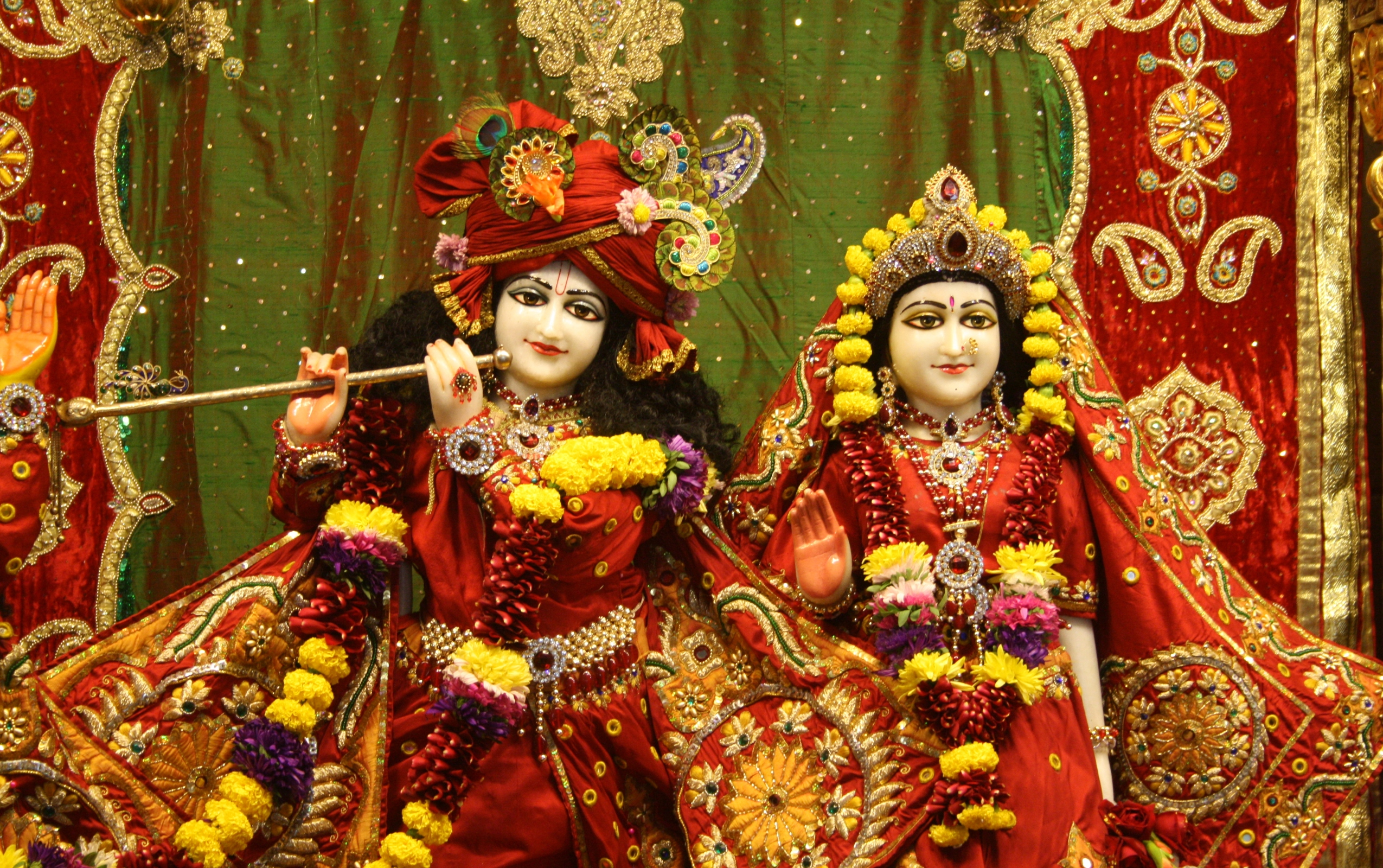 The Lord Krishna Temples Iskcon Wallpapers